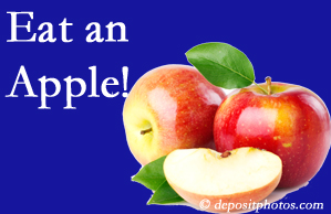 Buffalo, NY chiropractic care encourages healthy diets full of fruits and veggies, so enjoy an apple the apple season!